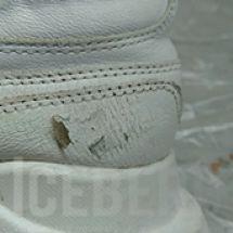 Восстановление белых кожаных кроссовок