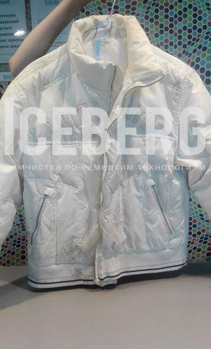 Женский пуховик до чистки в химчистке ICEBERG
